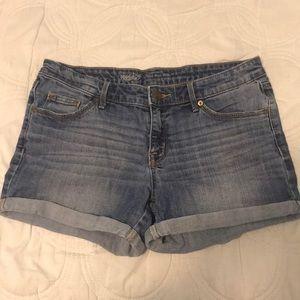 Mid rise light wash cuffed Mossimo shorts